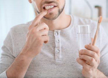 Krwawienie dziąseł – dlaczego nie można go lekceważyć?